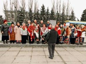 Григорий Федорович со своим хором на городском празднике