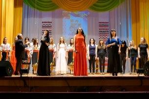Сводный молодежный хор под управлением художественного руководителя Григория Федоровича Редько