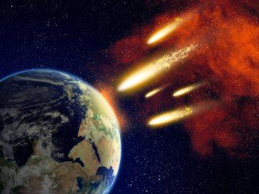 Метеорный поток на Землю