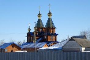 Вот показался Мужской монастырь в честь Песчанской иконы Божией Матери