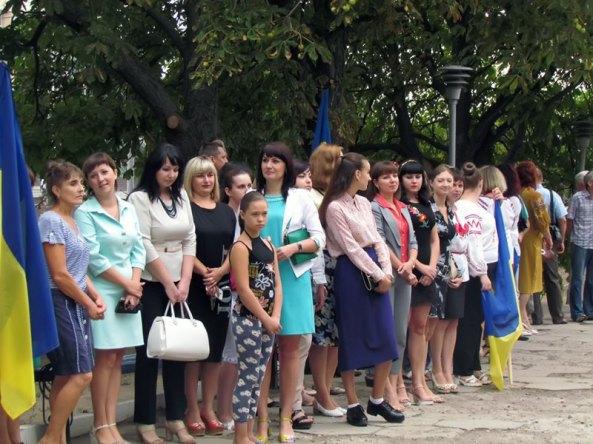 По случаю праздника утром 23 августа у памятника Т.Г.Шевченко прошел торжественный митинг