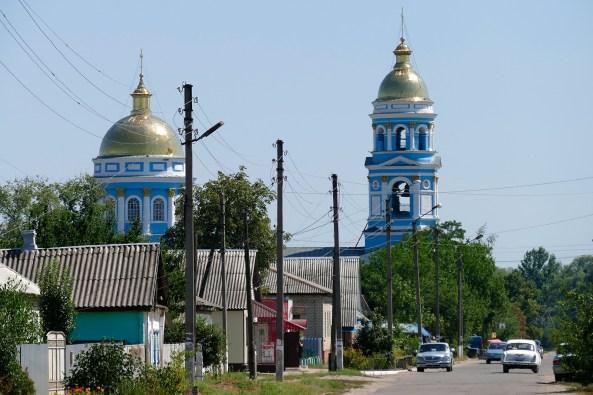 Свято-Вознесенский кафедральный собор - вид с увеличением с поворота на источник