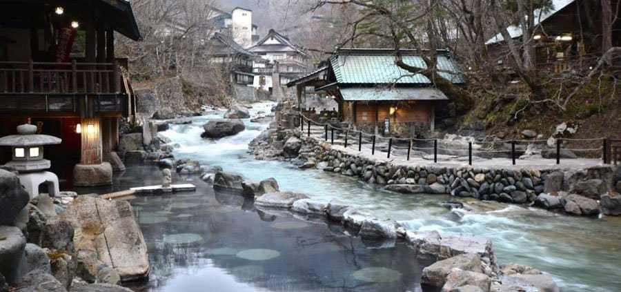 Onsen, the art of bathing in Japan