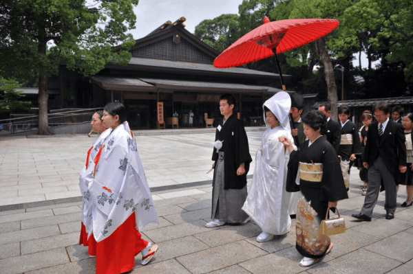japanese-shinto-wedding-procession_1