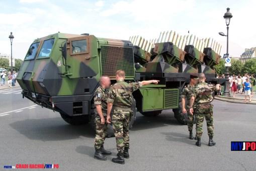 French Army MINOTAUR AC MLE F1 Mine Laying Vehicle of the 6e Régiment du Génie(6e RG), 9e brigade d'infanterie de marine (9e BIMa), Paris,14 Juillet 2007.
