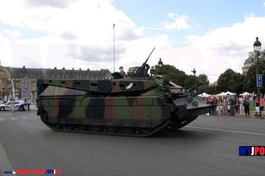 French Army DCL (Dépanneur du Char Leclerc) of the 1er Régiment de chasseurs (1er RCh), Esplanade des Invalides, Paris, 14 juillet 2009.