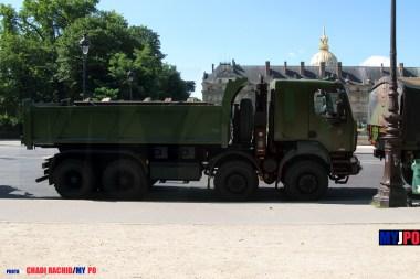 French Army Renault Kerax 420 dump truck of the 5e Régiment du Génie (5e RG), Esplanade des Invalides, Paris, July 14, 2009.