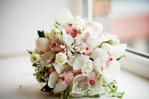 Свадебные букеты невест из орхидей (56 фото)