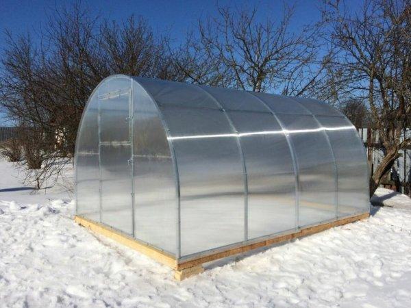 Дизайн теплиц из поликарбоната (42 фото)