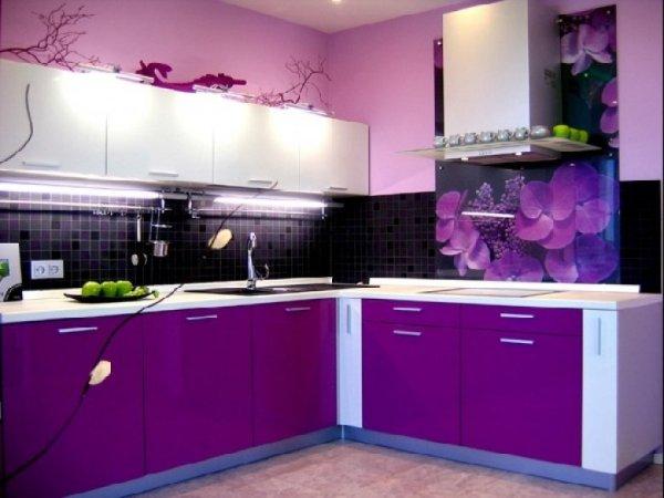 Угловые кухни сиреневого цвета (40 фото)