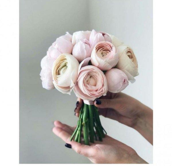 Букеты невесты из пионовидных роз (59 фото)