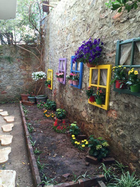 DIY Cheap Garden Decor To Bring A Whole New Look on Easy Diy Garden Decor id=68954