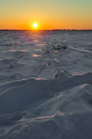 Atardecer sobre el río congelado - Sunset over the frozen river