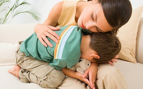 У ребенка болит живот: что можно дать и как распознать ...
