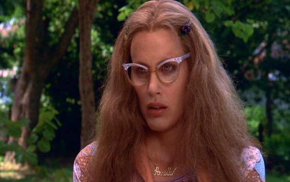 Daryl Hannah as Annelle