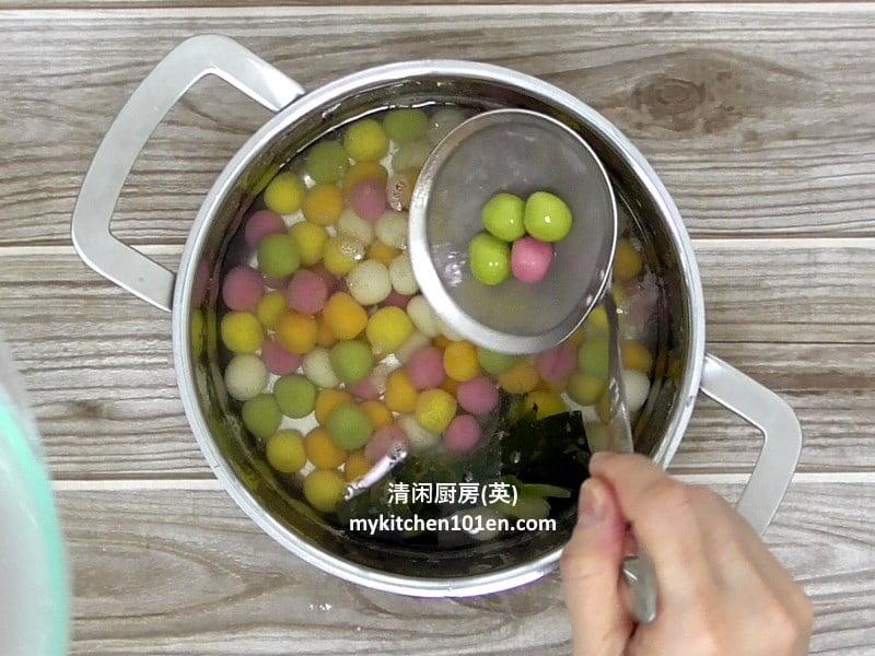 natural-5-colour-glutinous-rice-balls-cooking4