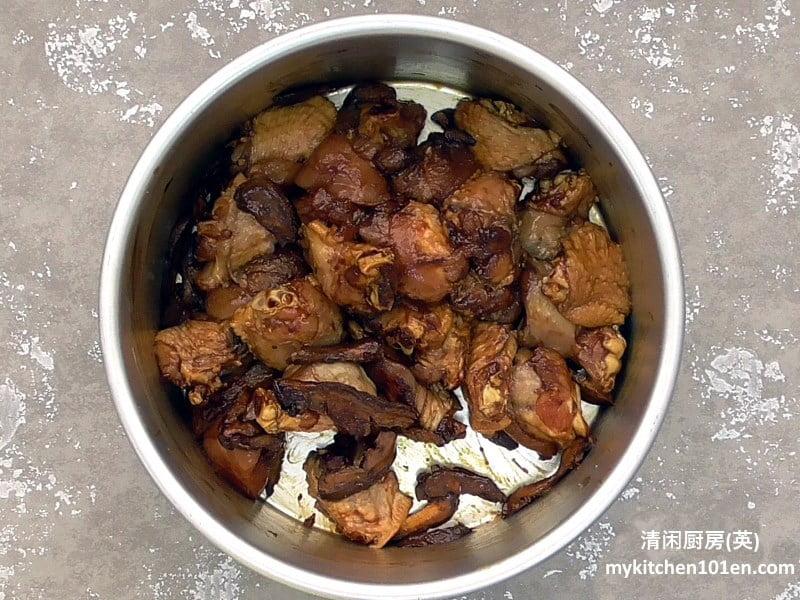 rice-cooker-version-claypot-chicken-rice1