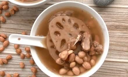 Lotus Root Peanut Pork Rib Soup – Super Easy Soup Recipe (莲藕排骨花生汤)