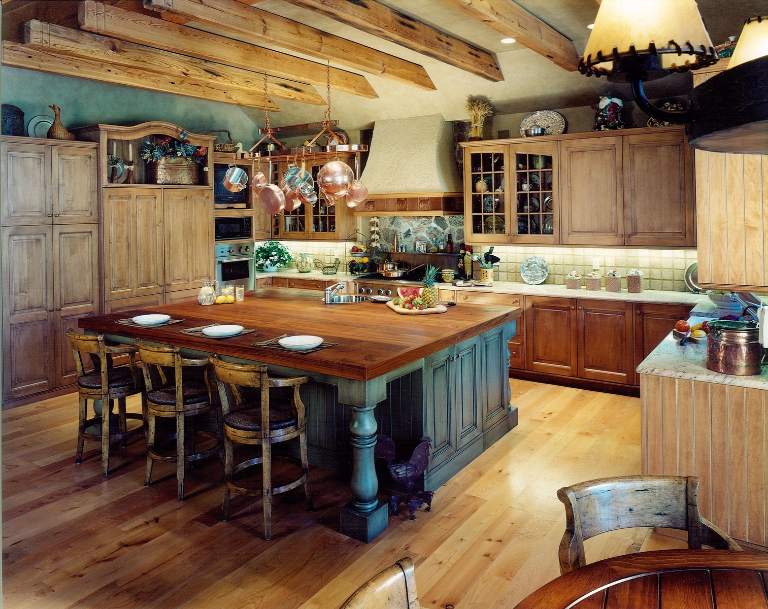Two Ways To Create Rustic Kitchen Island