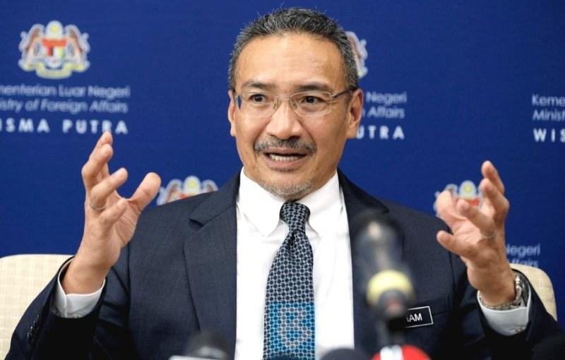 Hisham menjarakkan diri dari kerajaan?