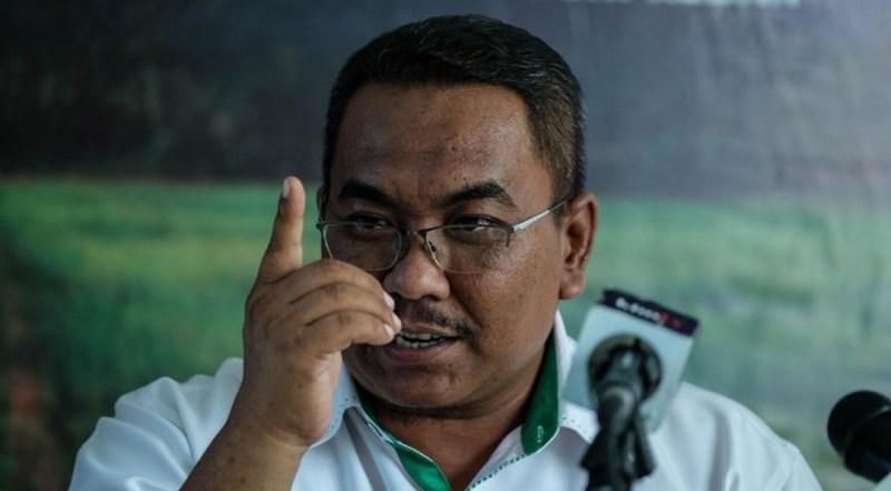 Pegawai dakwa netizen ambil kesempatan lanyak Sanusi — MYKMU.NET