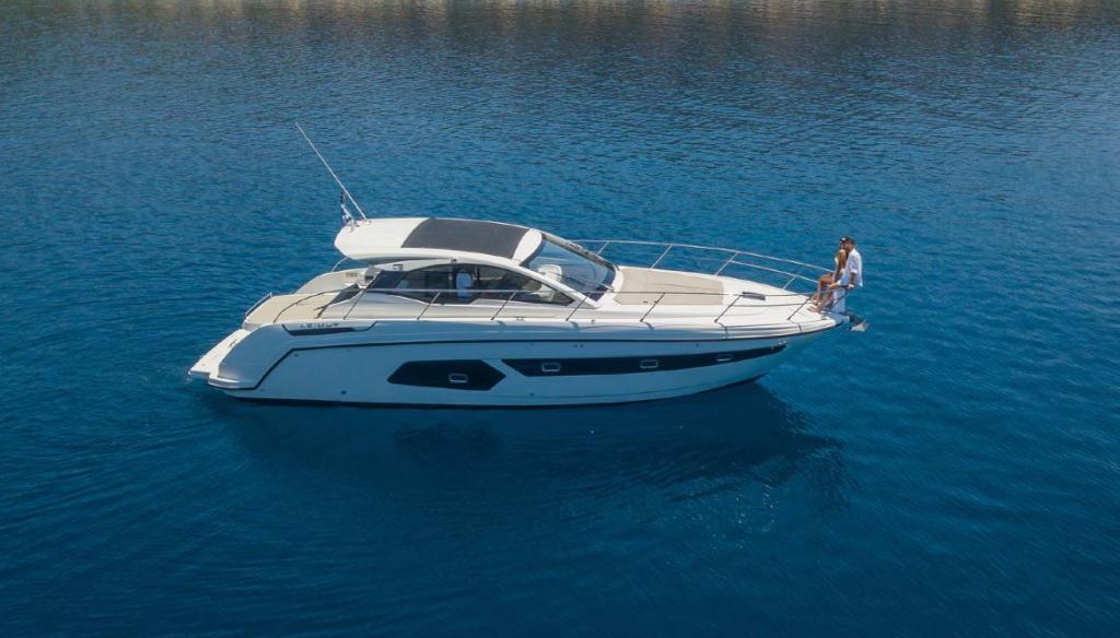 yacht Mykonos - rent yacht - mykonos yacht services 1