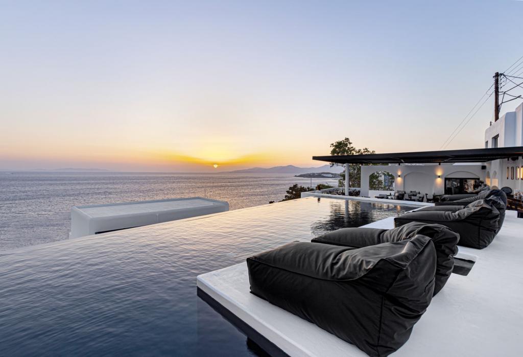 tagoo black mykonos - private pool mykonos - concierge 5