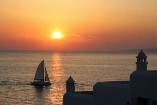 10 Reasons to go to Mykonos - sunsets