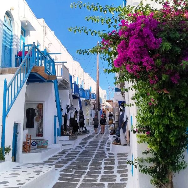 """Mykonos Colorful Street named """"Most Beautiful in the World"""" by CNN!"""