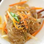 Vegetarian Japchae 잡채 (Stir Fried Glass Noodles w Vegetables)