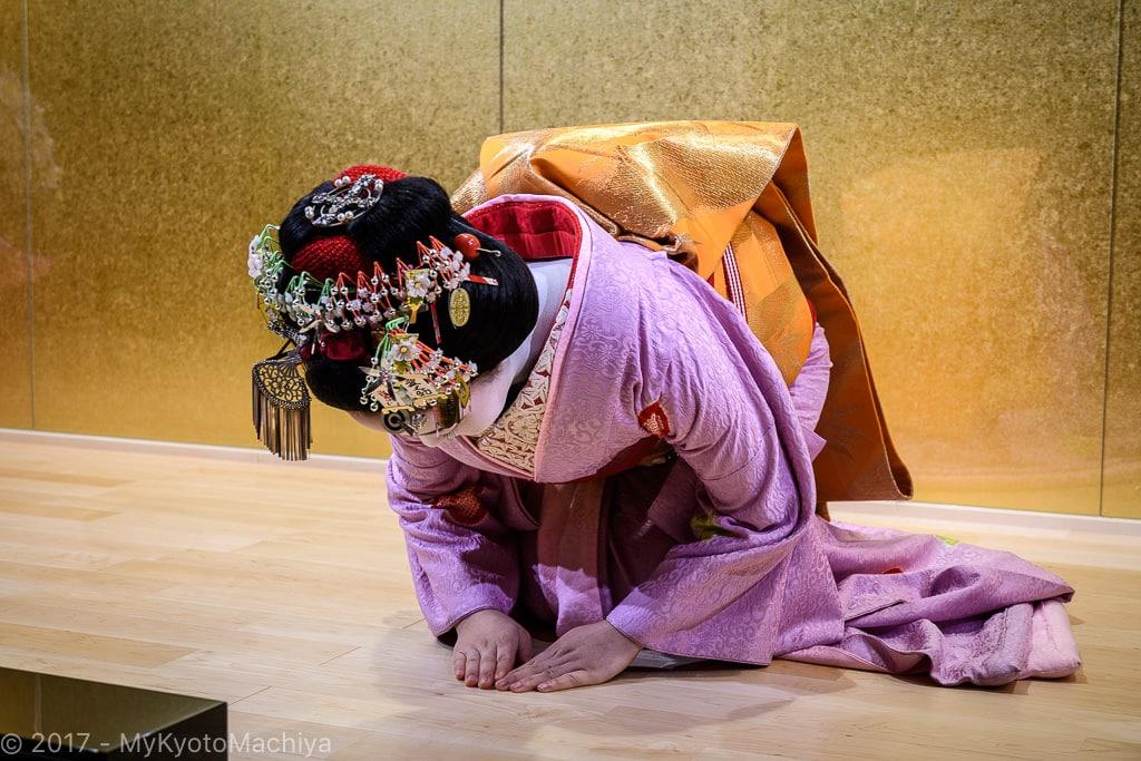 161201_Kyoto-Maiko-Theater-502337