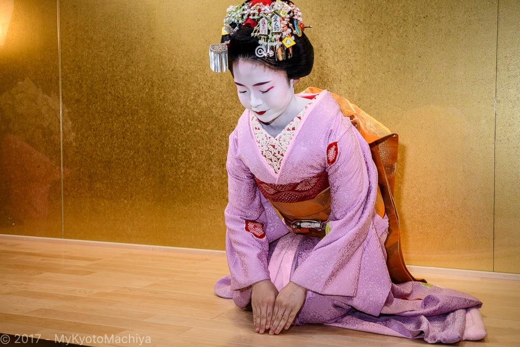 161201_Kyoto-Maiko-Theater-502339
