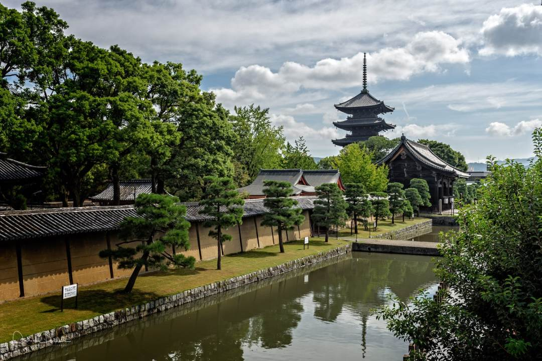 Toji Temple features the largest Pagoda in Kyoto