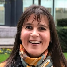 Carina Balbo, Chartered Linguist, Author, English-Spanish  Translator, Spanish specialist, IELTS tutor and examiner, GCSE Spanish,