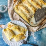 If you are in the mood for something creamy and cheesy, try this easy creamy chicken crepes. This low carb dinner is high in protein and has only 1.8g net carbs per serving.