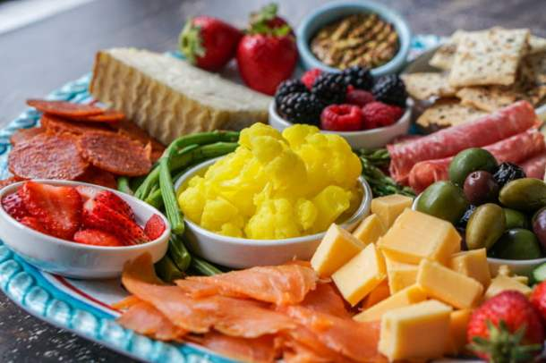 For a delicious low carb dinner you can put together in minutes, try this low carb cheese platter. Filled with tasty low carb foods, you can grab a glass of wine and talk about your day over this assortment of goodies.For a delicious low carb dinner you can put together in minutes, try this low carb cheese platter. Filled with tasty low carb foods, you can grab a glass of wine and talk about your day over this assortment of goodies.