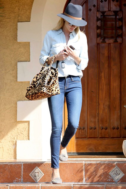 rosie-huntington_glamour_16sep14_spl_b_426x639