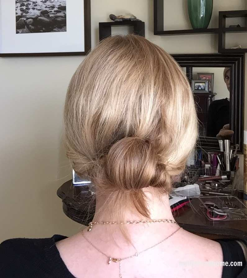 10-minute hair style by www.whitecottagehomeandliving.com