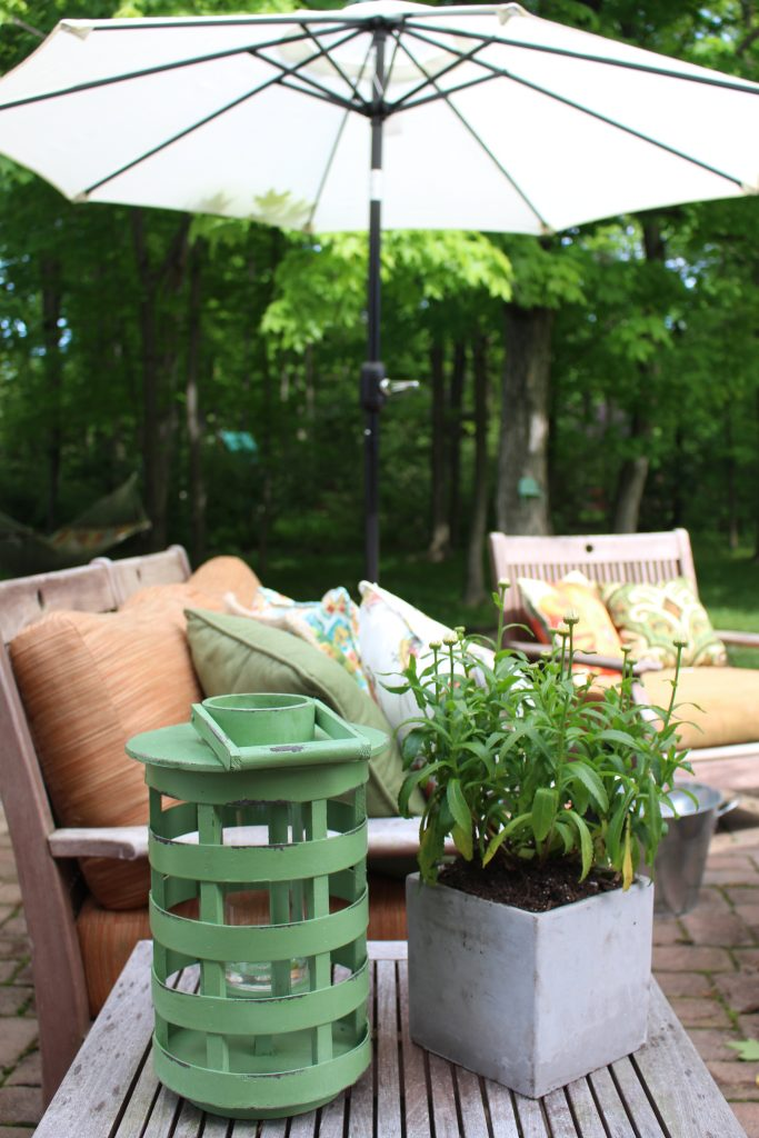 Outdoor Patio Refresh with At Home by www.whitecottagehomeandliving.com