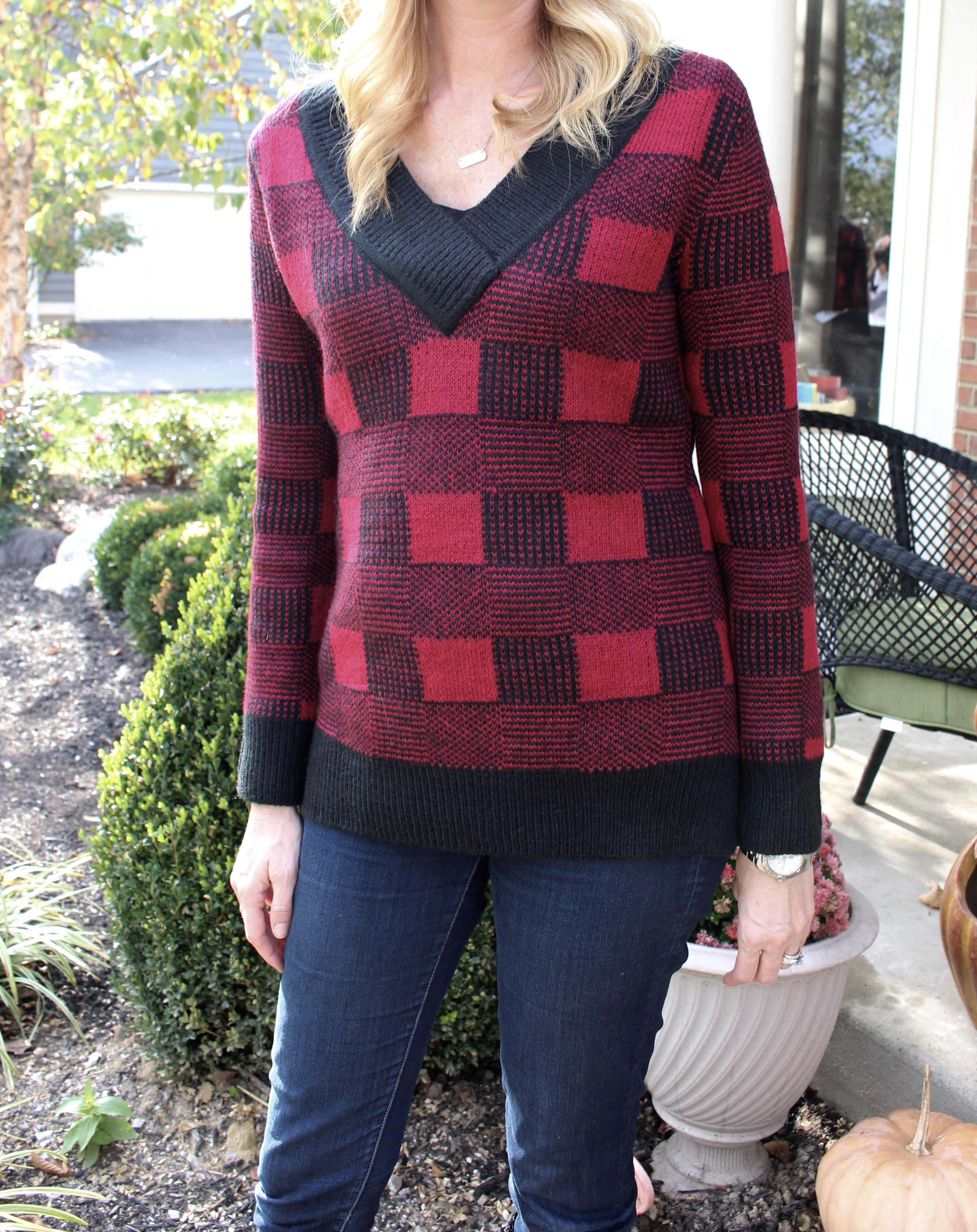 Stitch Fix- plaid sweater- fall and winter fashion- women's fashion- wardrobe- personal styling box- monthly subscription box- casual look- style- outfits