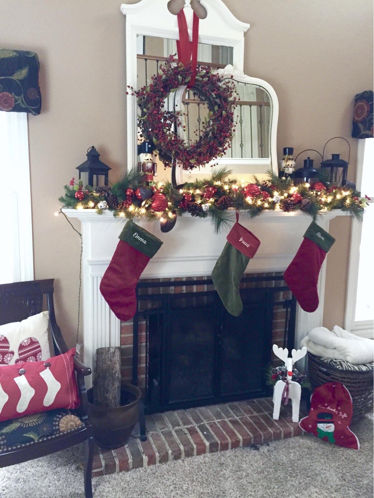 Christmas mantel- decorating your mantel for Christmas- mantle decorating- holiday decor- decorating for Christmas