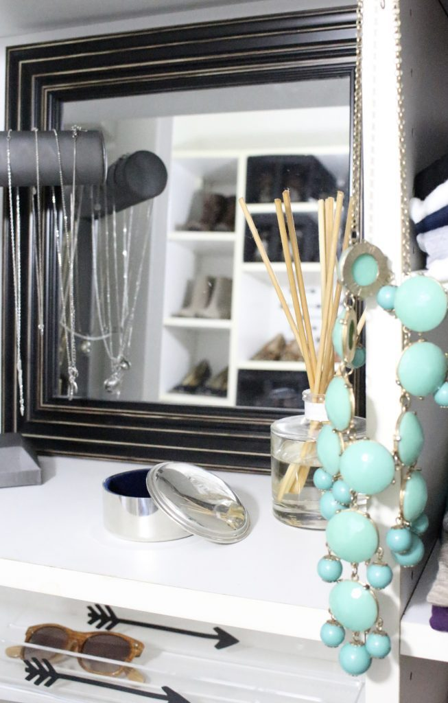 A full boutique closet reveal- master closet- closets- organizing closets- do it yourself- DIY- DIY projects- decoration ideas- room decor ideas- room design- home decor- closet decor- boutique- closet organization- shelf organization- walk in closet- jewelry storage- displaying jewelry in a closet