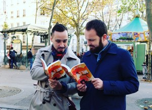 jtm-boys-reading-abbesses-close-up