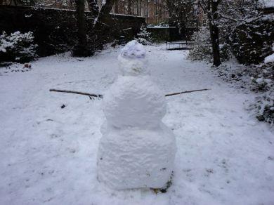Eve and Antonia's snowman