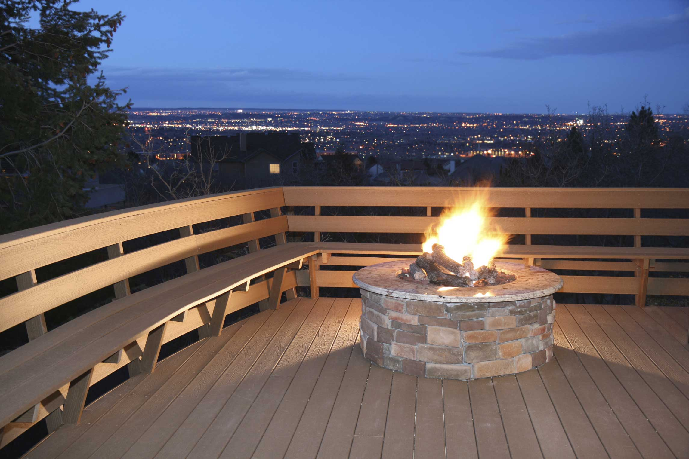 Photos of 12 Outdoor Fireplaces and Fire Pits on Outdoor Gas Fireplace For Deck id=26875