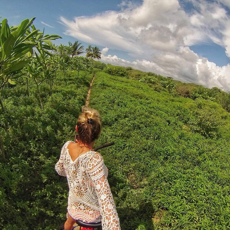 Just riding my bike through the jungle, nbd