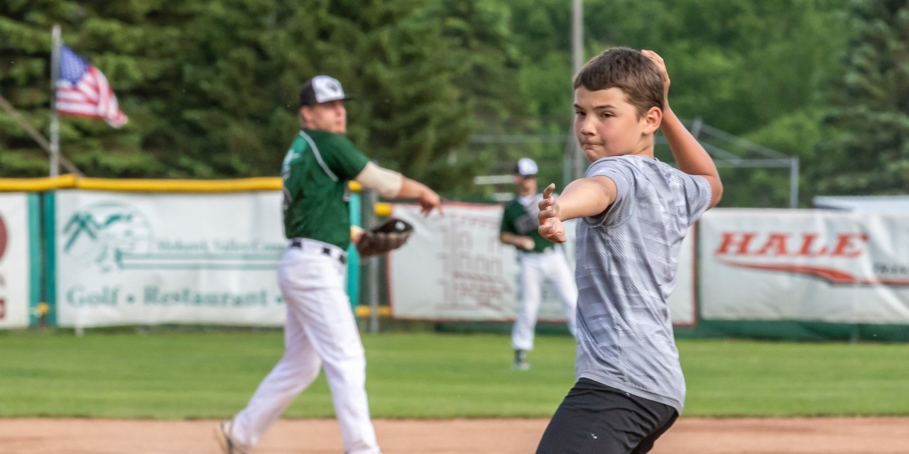 Mohawk Valley Diamond Dawgs Baseball Camp