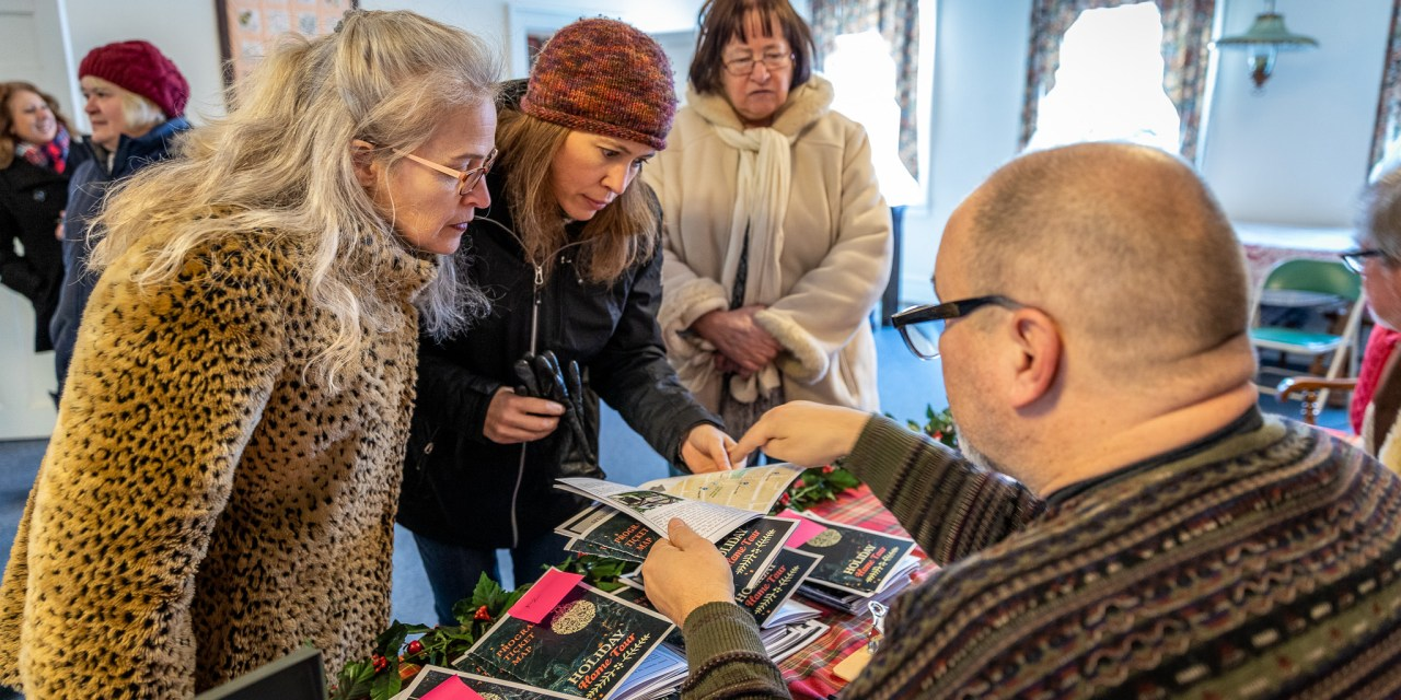 Preserve Our Past organizes holiday home tour