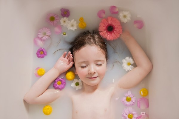 milk bath, milk, flowers, floral, flower, bath, portrait, photography, edinburgh, simply, ruby, my little willings,