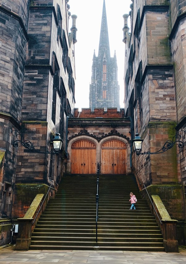 The TOP 10 Instagrammable Spots in Edinburgh | The Ultimate List
